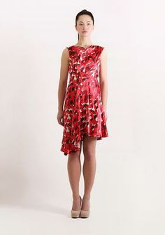 I might have to start wearing RED this spring. Deitti dress By Miun.