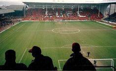http://upload.wikimedia.org/wikipedia/commons/0/01/Brammall_Lane_-_Sheffield_-_mars_1992.JPG