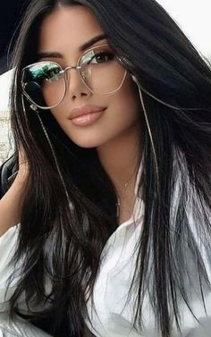 Stunning Brunette, Cute Brunette, Brunette Beauty, Hair Beauty, Most Beautiful Faces, Gorgeous Women, Beautiful People, Beauty Full Girl, Beauty Women
