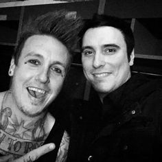 Papa Roach & Breaking Benjamin!!! OH MY...YES!!! Awesome Pic!!!