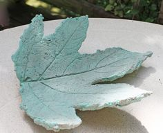 Cast Concrete Leaf - great tut, same as one on Hometalk, but more great info in the comments on this one