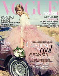 Cortana en portada de Vogue Novias con fotos de Gonzalo Machado. Más looks de novias en www.cortana.es. #Cortana #Bridal #wedding #bodas #vestidonovia