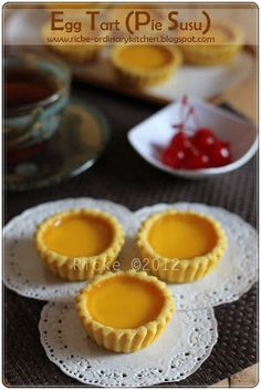 Just My Ordinary Kitchen...: EGG TART (PIE SUSU) Pastry Recipes, Tart Recipes, Cookie Recipes, Dessert Recipes, Pudding Desserts, Indonesian Desserts, Asian Desserts, Indonesian Food, Pastry And Bakery