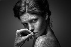 Freckled Black And White Portraits, Black And White Photography, Carole, Pale Skin, Lee Jeffries, Mannequins, Freckles, Redheads, Pretty In Pink