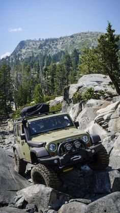 woow what a jeep....i think its ground clearance and four wheel drive rocks...isn't it?..any way driving i9n such a natural beauty will be so much adventures..