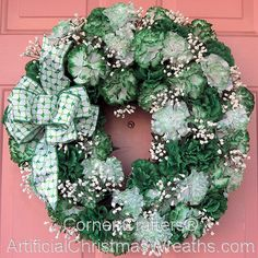 45 Easy DIY Dollar Store Christmas Decorations for Decorating on a Budget - The Trending House Artificial Christmas Wreaths, Christmas Wreaths To Make, Diy Christmas Tree, Holiday Wreaths, Spring Wreaths, Summer Wreath, Silver Christmas Decorations, St Patrick's Day Decorations, Saint Patrick