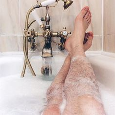 Ugh it's been such a rough week already -- my iPhone charger stopped working, Whole Foods ran out of my fave organic juice, and yoga class was SO hard! Definitely deserve this #MeTime! 🙌🏼🛀🏼💅🏻 #YouCanFindMeInTheTub #PamperPartyForOne 🙋🏼 #LetTheBubblesEraseYourTroubles #SoStressedButStillBlessed #TreatYoself #StayHumble #LiveLaughTub #BathAndBodyTwerks #JuniperBreeze #ToeHairDontCare #BrosBeingBasic via @stskarzynski