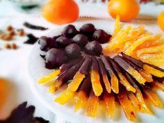 Κυδώνια ψητά στα φούρνο Carrots, Deserts, Dessert Recipes, Food And Drink, Easy Meals, Vegetables, Cooking, Sweet, Kitchen