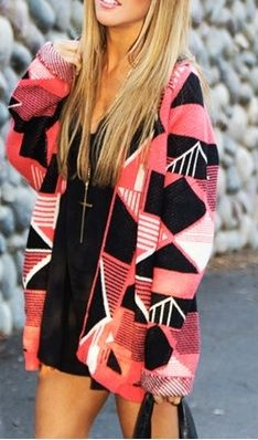 aztec sweater with leggings and coral vans.♥
