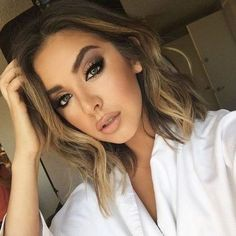 shoulder length hair + balayage + make-up / #hairstyles #beauty #brunette