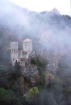 Google Image Result for http://www.islands.com/files/imagecache/photo_contest_entry_image/2012/1castle_in_the_clouds._erice_sicily_italy.jpg