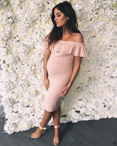 "33.5 mil curtidas, 189 comentários - Binky Felstead (@binkyfelstead) no Instagram: ""Little bit of blush for Spring For everyone asking my range isn't maternity although I went a…"""