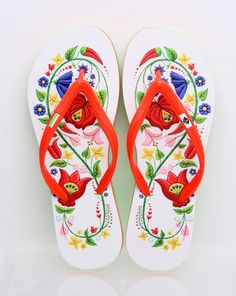 Items similar to Hungarian Kalocsa Embroidery Child Flip Flop (printed surface) on Etsy Embroidery Online, Learn Embroidery, Floral Embroidery, Hand Embroidery, Beginner Embroidery, Chain Stitch Embroidery, Embroidery Stitches, Embroidery Patterns, Hungarian Flag