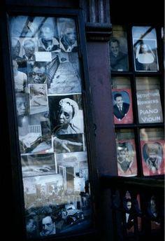 SAUL LEITER - Harlem (window), c. 1960