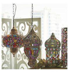 Bienvenido a Homy.cl. Todo para amoblar y decorar tus espacios. Homy, diseño para todos. Ceiling Lights, Christmas Ornaments, Holiday Decor, Home Decor, Hanging Lamps, Spaces, Xmas Ornaments, Christmas Jewelry, Christmas Ornament