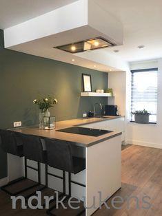 - Lilly is Love Open Plan Kitchen Living Room, Kitchen Room Design, Kitchen On A Budget, Interior Design Living Room, Kitchen Decor, Küchen Design, House Design, Lofts, Kitchen Remodel