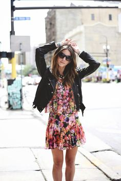 Blogger Kiara Schwartz of Tobruck Ave mixing floral and leather