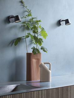 Tip Wall Lamp von muuto - skandinavisch schlicht Vase, Home Decor, Diffuser, Lighting, Homemade Home Decor, Decoration Home, Room Decor, Interior Design