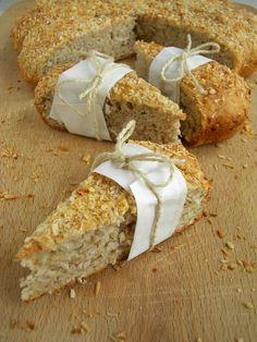 """Przepis na ciastka bananowo-kokosowe pochodzi z książki Sigrid Verbert: """"Smakowite prezenty"""" . To zdrowa propozycja na drugie śniadanie, des..."""