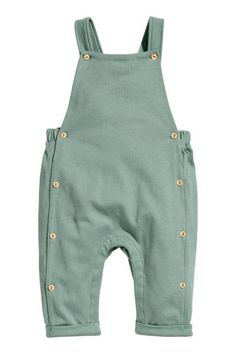 Dungarees in soft cotton jersey with buttons at the top, elastication at the back and buttons at the sides. Seams on the legs with Baby Outfits, Kids Outfits, Spring Outfits, Baby Boy Fashion, Fashion Kids, Fashion Clothes, Fashion Scarves, Paris Fashion, Retro Fashion