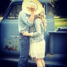 Oh young Love! Perfect Relationship, Cute Relationships, Love Is Sweet, Cute Love, Stupid Love, How Bout Them Cowboys, Cute Photography, Young Love, Thing 1