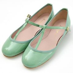 I had a pair of robins egg blue Ballet flats and i left them in mexico, i miss them :( ----- mint shoes