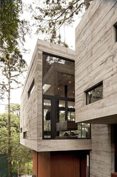 A House Built Around The Trees: Casa Corallo by Paz Arquitectura in architecture Category Architecture Design, Beautiful Architecture, Residential Architecture, Contemporary Architecture, Modern Contemporary, Installation Architecture, Architecture Interiors, Concrete Architecture, Architecture Tattoo