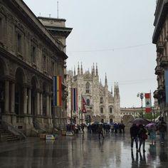 Milano #duomo #pioggia #lives_milano #Loves_lombardia #volgomilano #volgolombardia #welovemilan #milanodavedere #milanodavivere #milano #top_lombardia_photo #lombardia_super_pics #vivomilano #ig_milano #igersmilano #milanoofficial #milanostilelife by sabina.photography