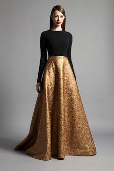 Malha preta + mangas compridas + saia em dourado envelhecido Romona Keveza Luxe RTW Fall 2014