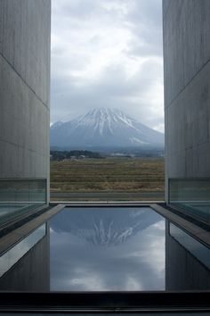 SHOJI UEDA MUSEUM OF PHOTOGRAPHY    Is this space not what a lense does, focus and intensify?
