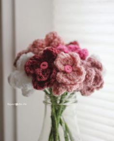 Repeat Crafter Me: Crochet Flower Bouquet