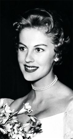 Top 10 Most Beautiful Miss Universe Winners So Far In History - Armi Kuusela from Finland, 1952 Beautiful Inside And Out, Most Beautiful, Gorgeous Women, Beautiful People, Miss Univers, Hilario, People Of Interest, Elegant Wedding Dress, Interesting History