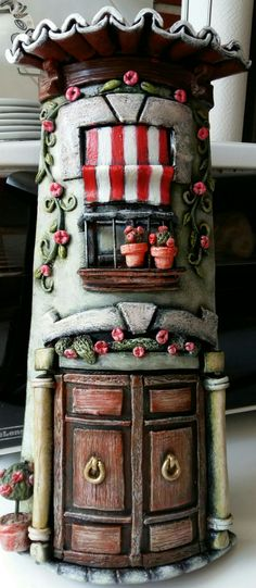 Clay Fairy House, Fairy Houses, Hobbies And Crafts, Diy And Crafts, Arts And Crafts, Ceramic Glaze Recipes, Clay Fairies, Tile Crafts, Clay Houses