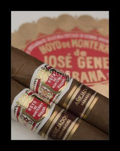 The Hoyo de Monterrey Hermosos Anejados is of Corona Extra format, 48 ring gauge and 5 inches in length This cigar was released in late 2015 along with the Partagas Coronas Gordas Anejados as special editions that are available in very limite Mild Cigars, Cuban Cigars, Tobacco Smoking, Aging Process, Woody, Pipes, Ring, Corona, Cigars