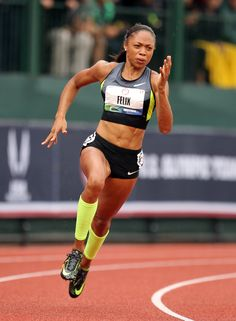 Despite controversy from tie, Felix proves her elite status in the 200