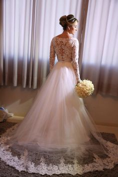 Vestido de noiva princesa com manga longas em renda Modest Wedding, Wedding Gowns, Dress Vestidos, Shop Front Design, Halloween 2018, Shopping Websites, Big Day, Bridal Dresses, Dream Wedding