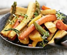 Grillgemüse aus dem Ofen Rezept: Spargel,Möhren,Pastinaken,Kartoffeln,Butter,Olivenöl,Pfeffer,Thymian,Alufolie