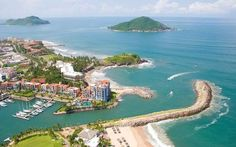 Algo está pasando en Mazatlán! No es común que haya una suma de factores todos positivos en un solo lugar y en tan corto tiempo. Pero aquí se está escribiendo una nueva historia. #DondeQuieresEstar #MexicoHoteles http://ift.tt/1m3yoTN