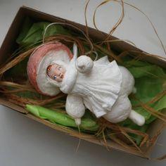 Традиционная ватная игрушка @kukla_iz_vati В теле такая Инстаграм фото Christmas Villages, Christmas Toys, Christmas Wrapping, Christmas Ornaments, Xmas, Ooak Dolls, Art Dolls, Festival Decorations, Christmas Decorations