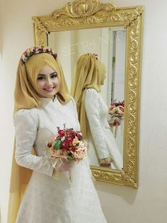1-hijab-with-flower-head-crown-for-ravishing-bridals-4