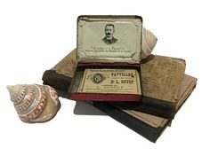 """French antique pill box  """" Pastilles Docteur GUYOT """" , medicinal tin box , Cough Pastille , Medicine , French Drugstore , Collectible tin"""