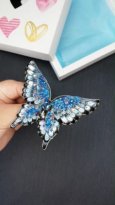 Beautiful blue butterfly pin handmade by me 💓 Bead Embroidery Tutorial, Bead Embroidery Jewelry, Beaded Embroidery, Brooches Handmade, Handmade Beads, Beaded Crafts, Jewelry Crafts, Bead Jewellery, Beaded Jewelry