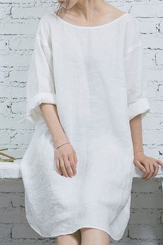 linen shift dress | minimalist style