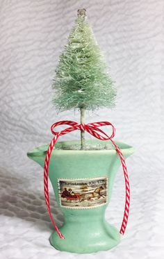 Handmade bottle brush trees - tutorial!! been wanting some really tiny ones, but couldn't find them...just may need to make some!!! Cathe-Holden-Bottle-Brush-05