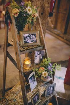 25 Sweet And Romantic Rustic Barn Wedding Decoration Ideas Sweet Rustic Barn Wedding Photo Display Ideas Barn Wedding Photos, Rustic Wedding Signs, Wedding Table, Fall Wedding, Diy Wedding, Green Wedding, Wedding Tips, Wedding Reception, Perfect Wedding