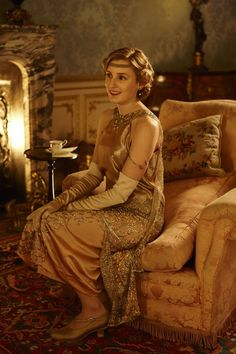 Downton Abbey Season 6: Lady Edith Crawley | Costume designer Anna Mary Scott…