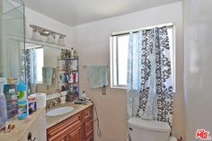 Provides a great income-cash flow opportunity. Currently occupied by tenants for $3600/month and is only available for showings on Saturdays. See showing remarks for more detail.