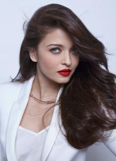 Aishwarya Rai Bachchan's comeback movie 'Jazbaa' has already created a huge buzz. And now the rumour is that the former Miss world will be shooting f. Aishwarya Rai Makeup, Aishwarya Rai Photo, Actress Aishwarya Rai, Aishwarya Rai Bachchan, Beautiful Bollywood Actress, Most Beautiful Indian Actress, Beautiful Actresses, Most Beautiful Women, Beautiful Eyes