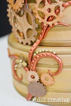 @Johnna Landaverde detailing of the gears....  www.gimmesomesugarlv.com