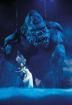 Visual effects are key to the success and survival of Broadway's KING KONG King Kong, Stage Set Design, Theatre Design, Guy Garvey, Opera Show, Theatre Stage, Lead Role, Puppets, Theater